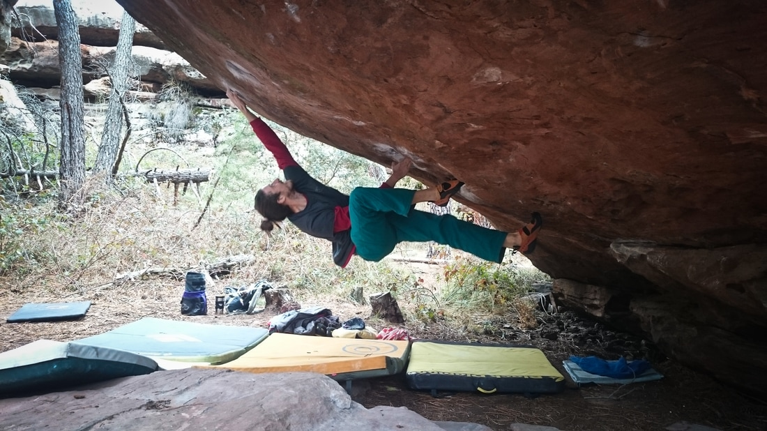 Kilian working Cosmos (8a) at Techos, Albarracin