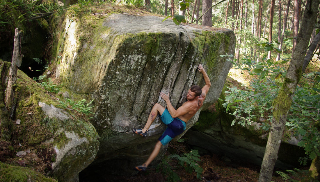 Finishing up Twist and Shout (7a+) at Long Boyau, Fontainebleau