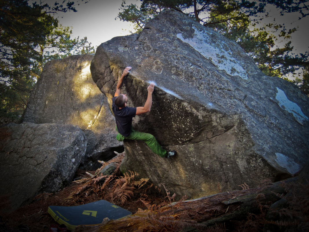 Autumn bouldering in the forest of Fontainebleau