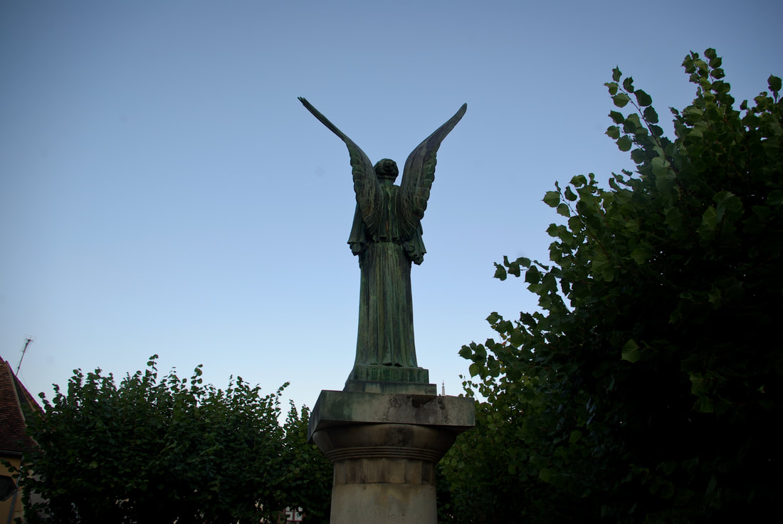 A striking statue in the town of Angles-sur-l'Anglin