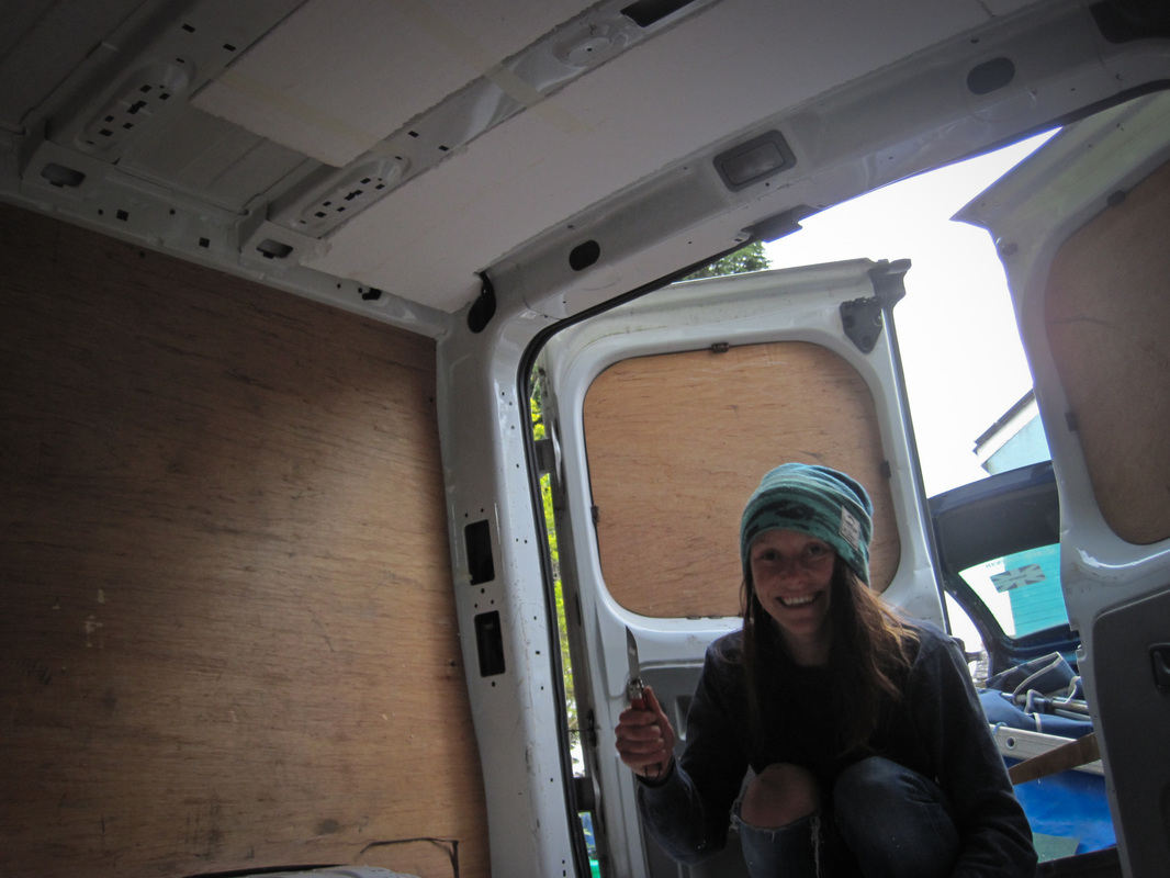 Insulating the roof lining of the van